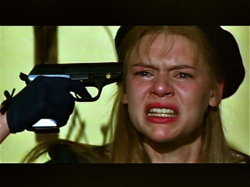 "Claire danes from ""romeo and juliet"" 1996 holds a gun to her"